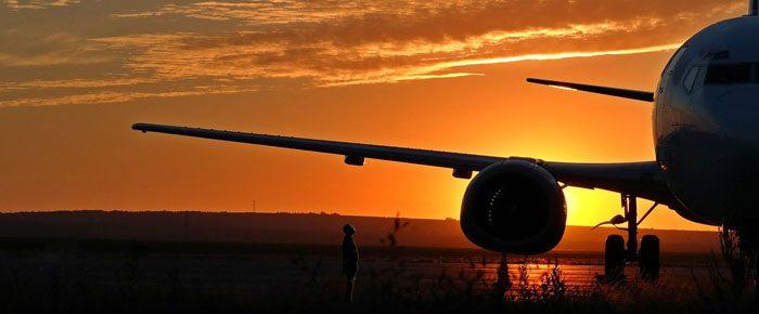 pessoa e avião