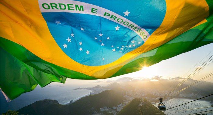 rio de janeiro e bandeira do brasil