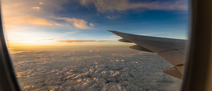 Céu da janela do avião